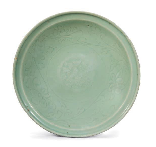 A Longquan celadon-glazed floral dish, Ming Dynasty (1368-1644)