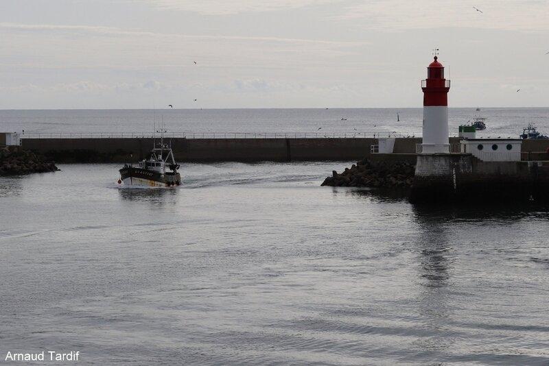 00938 Pouldreuzic - Pays Bigouden Sud - Retour des bateaux de pêche au Guilvinec blog