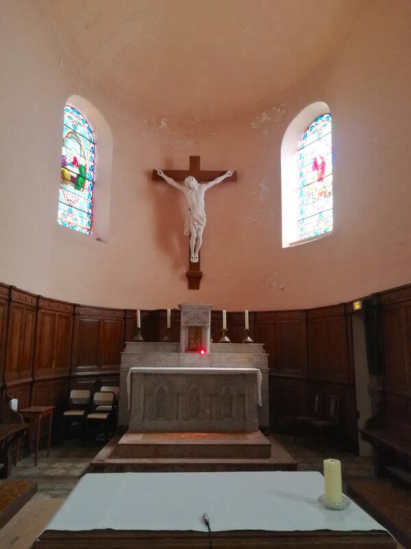 l'autel et le chœur de l'église de Chavanne, 7 juillet 2019, 12h06 jpg