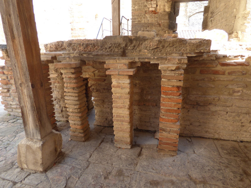 15 Arles Thermes Constantin (5)
