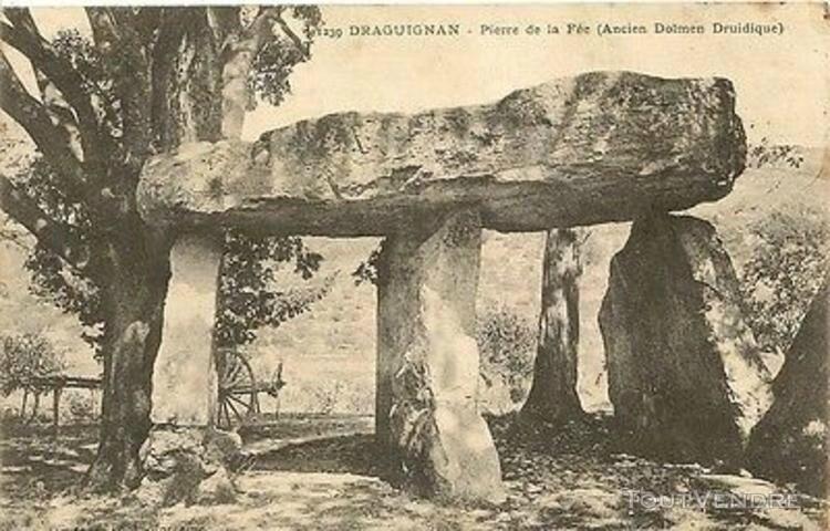 CARTE-POSTALE-DRAGUIGNAN-VAR-PIERRE-DE-LA-FEE-ANCIEN-DOLMEN_118484944L