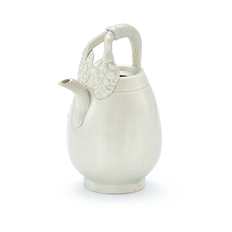 A small Ding-type white-glazed ewer, Northern Song-Liao dynasty (960-1125)