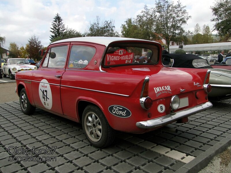 ford-anglia-deluxe-1965-2