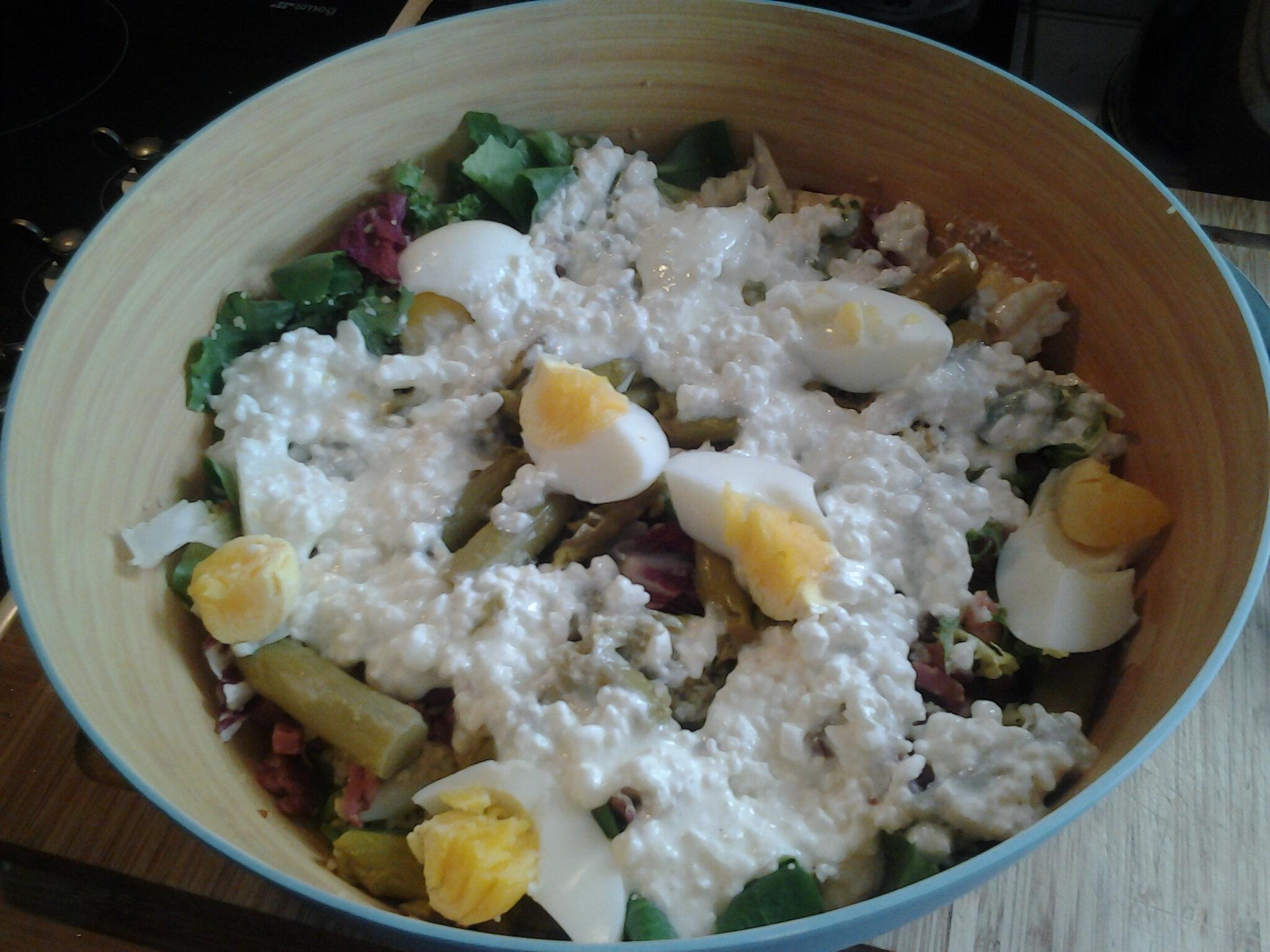 Salade verte aux asperges et au lard