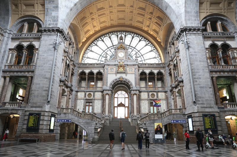 cathédrale du rail, intérieur.
