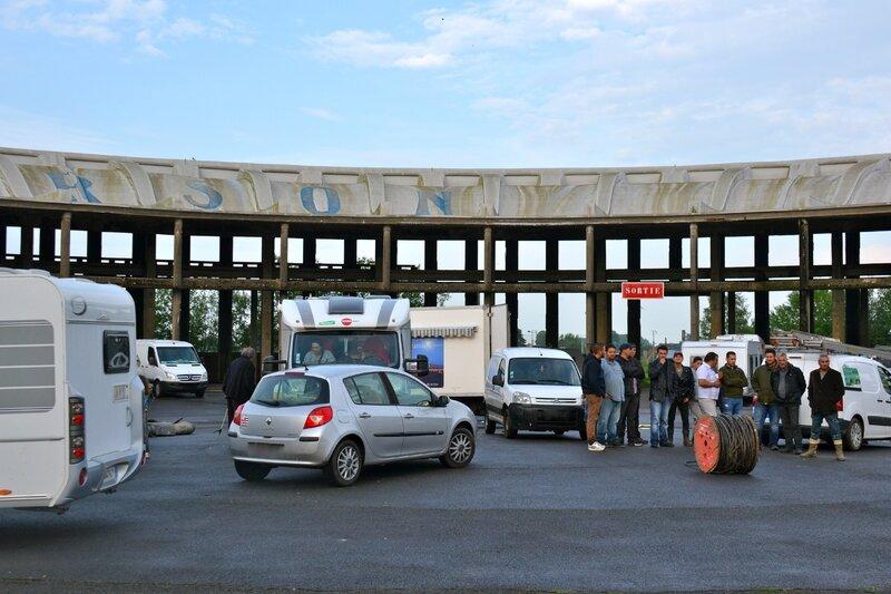 GENS DU VOYAGE ROTONDE JUIN 2016 caravanes Rotonde centre