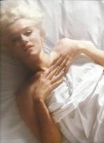 1961-11-17-santa_monica-by_douglas_kirkland-bed-065-2a