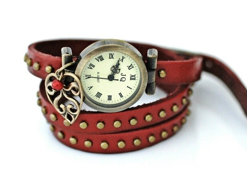 montre-lovers-montre-antique-bracelet-2923587-1360449165-256-2dc16_big