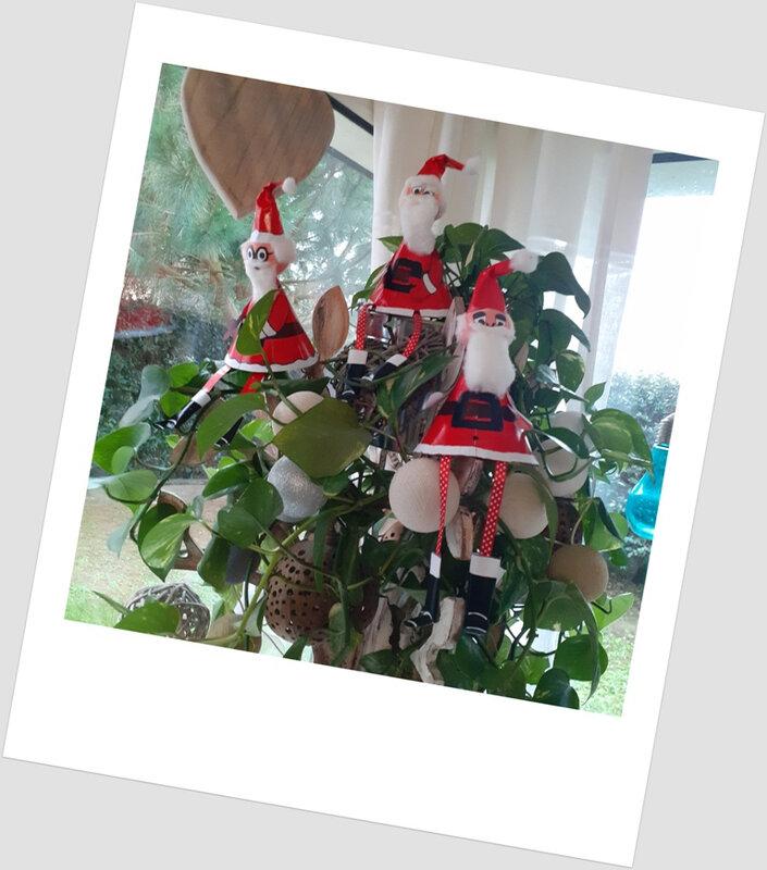 363- Noël et Nouvel an-Père-noël surprise -les 2 (10)